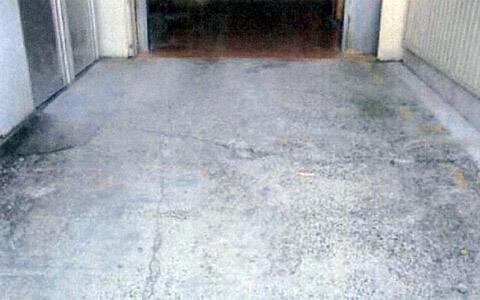フォークリフトが走行するコンクリート床面のスリップ空転防止