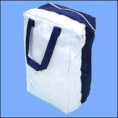 クリーンルーム用バッグは帯電防止布で縫製して製作します。