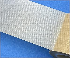 クリーンルーム用すべりテープは汚れが付かない耐熱・耐薬品性の粘着テープです。