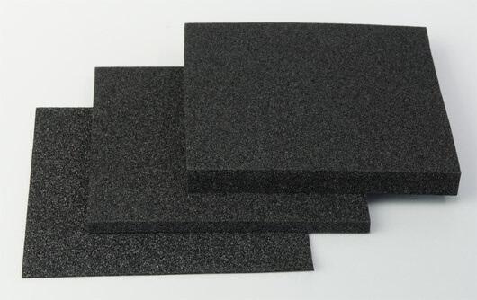 クリーンルーム用の導電性スポンジ緩衝材は、静電気帯電防止の対策ができるゴミが出ないPEフォームです。