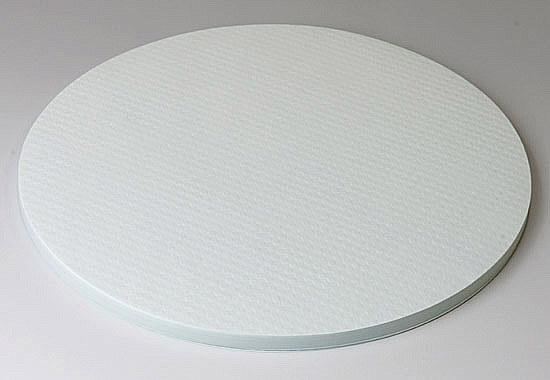 ウエハーの間に挟む紙は、クリーンペーパーでできた無塵紙のエンボス挿間紙です。