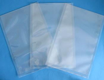 透明な防湿袋は無添加ポリエチレンを使っており、添加剤の粉が袋の中に出ないクリーンな酸素防止袋です。