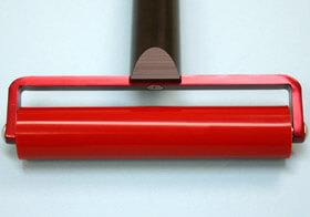 クリーンルーム用耐熱ゴムローラーは、高温面の清掃ができるゴミ取りコロコロローラーです。