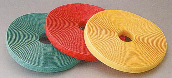 静電気対策ができる帯電防止の両面マジックテープは、1本で結束や固定ができます。