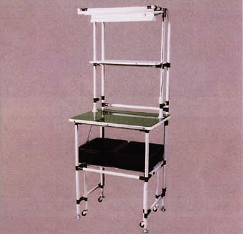 パイプの作業台や棚や運搬台車は、自由設計で簡単に組み立てて製作ができます。