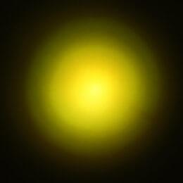 クリーンルームでUVカットの黄色い光を照射したいときは、HIDライトにレンズを装着します。