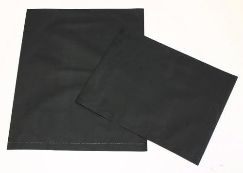 黒色の導電性ポリ袋は、静電気対策の帯電防止のカーボンビニール袋なので、半永久的にESD対策ができます。