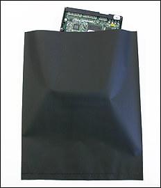 導電性のポリ袋は、永久的に強力な帯電防止ができる黒色カーボンのポリシートです。